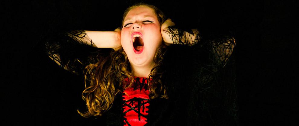Otizmli çocukların beyinleri dış sesleri yok sayamıyor.