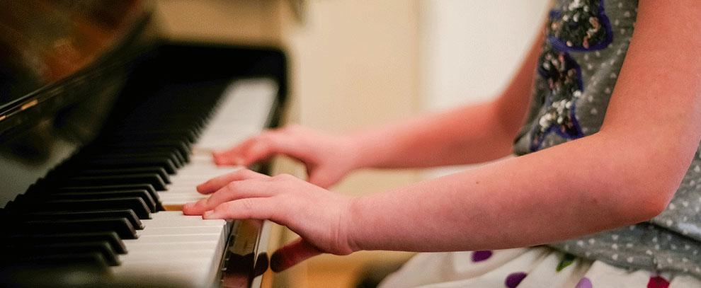Otizmlilerde Müzik ve Ritim Dil Gelişimini Etkiliyor mu?